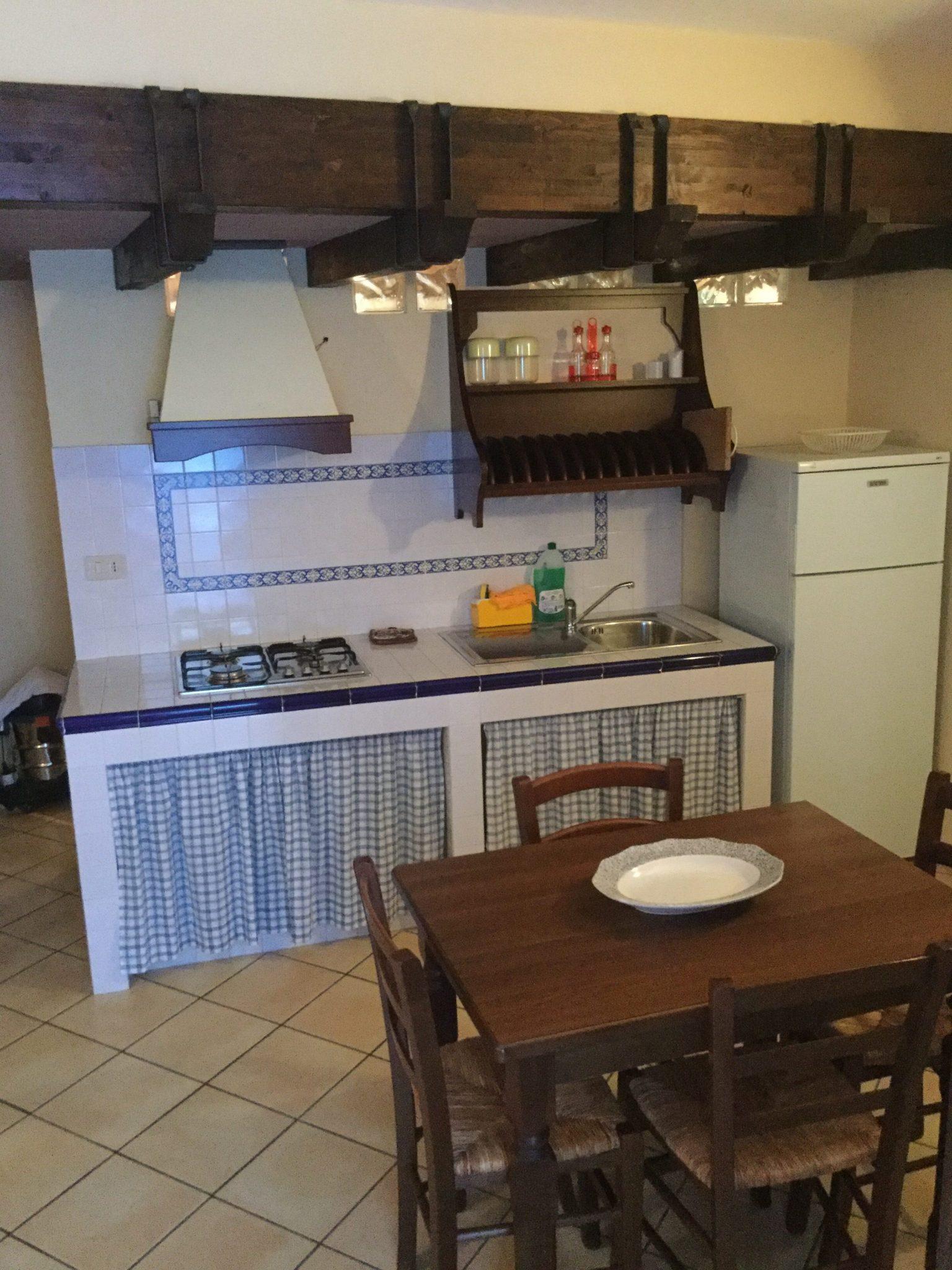 072 - Appartamento in palazzina indipendente , via Madonna degli angeli, Cefalù.