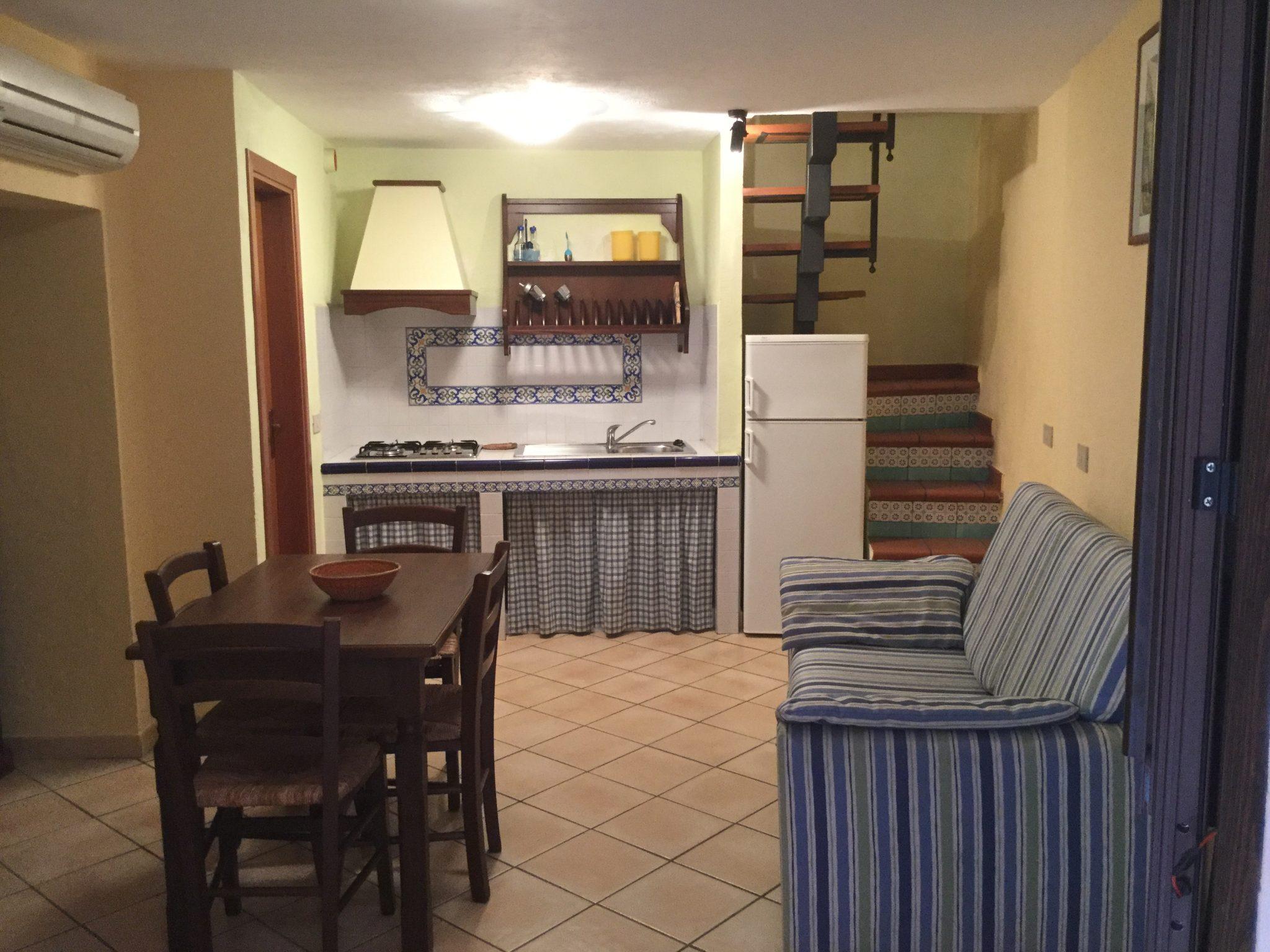 071  - Appartamenti in palazzina indipendente , Via M. degli Angeli, Cefalù.