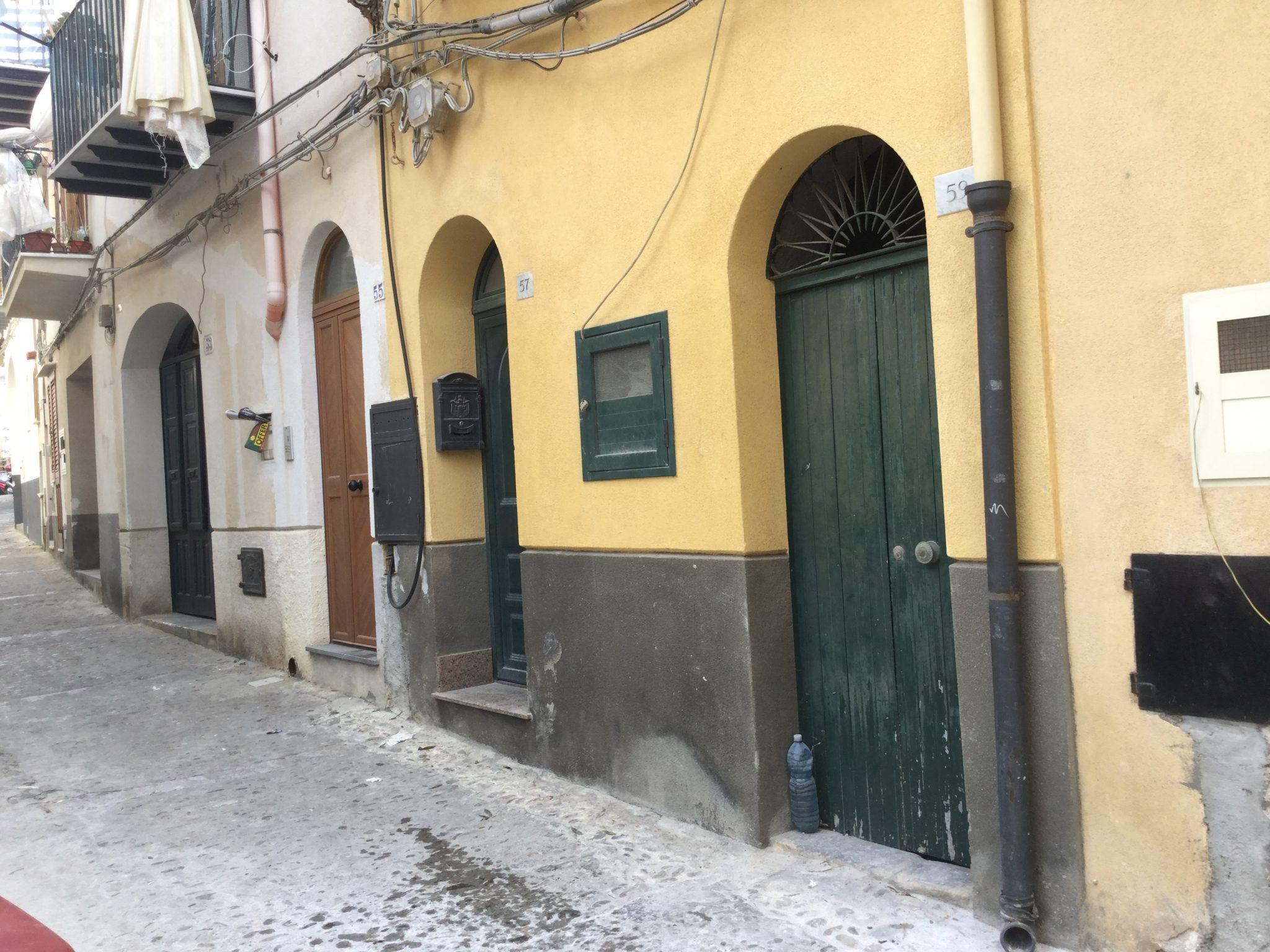 110 - Casa indipendente , Via Francavilla , Cefalù