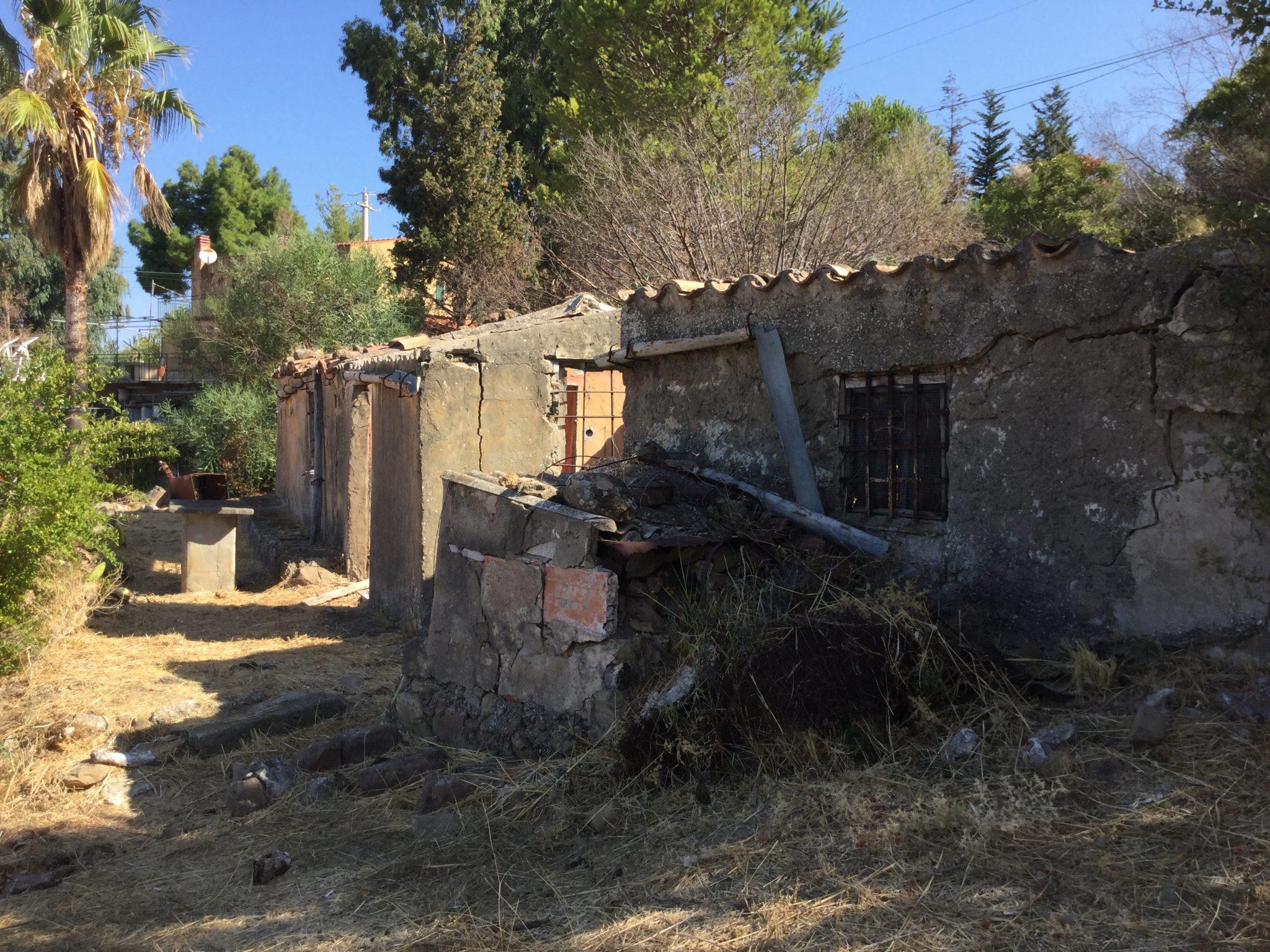 107  - Rustico in C/da  Monte (Campella ), Cefalù.